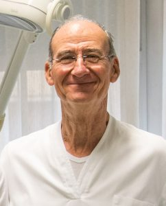 dr piero secchioni dentista livorno 242x300 - Dr. Piero Secchioni